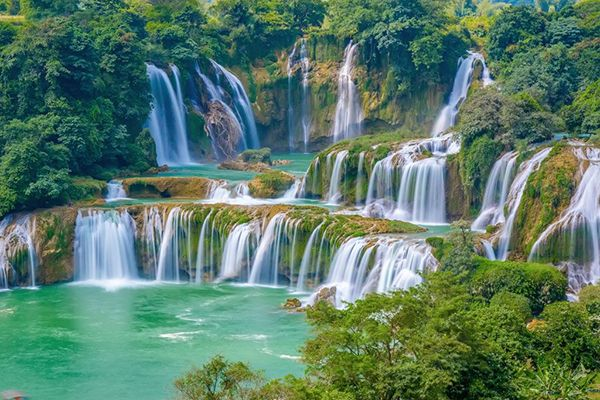 Ban Gioc Waterfall , Biggest waterfall in Vietnam