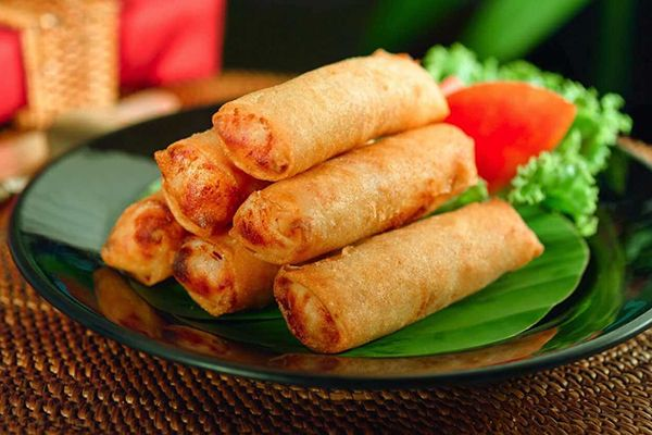 Hanoi fried spring rolls – a special cuisine of Vietnamese