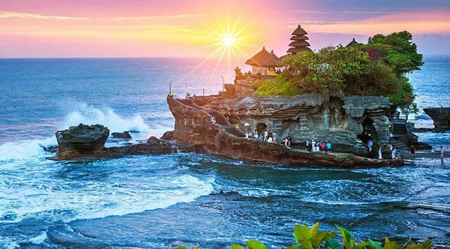 Bali Bedugul and Tanah Lot Tour